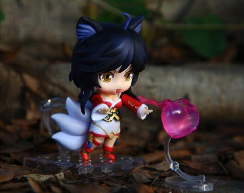 Ahri Action Figure 2