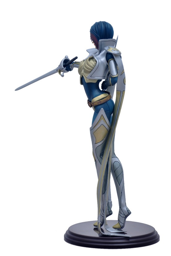 Fiora Action Figure 2