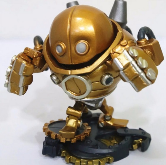 Blitzcrank Action Figure 2