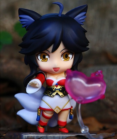 Ahri Action Figure 6