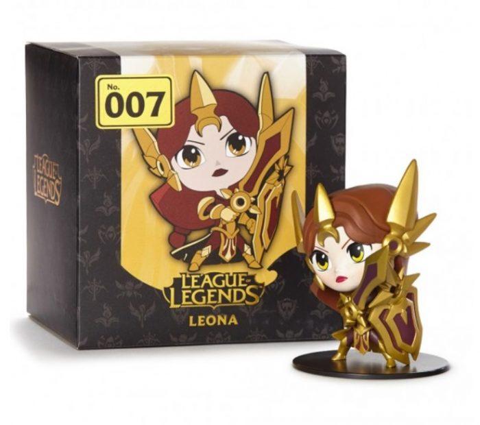Box Leona Action Figure
